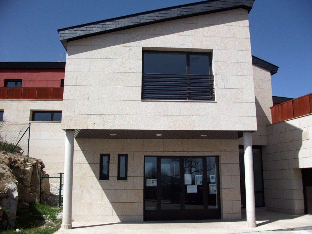 Edificio Socio-Cultural El Boalo 1