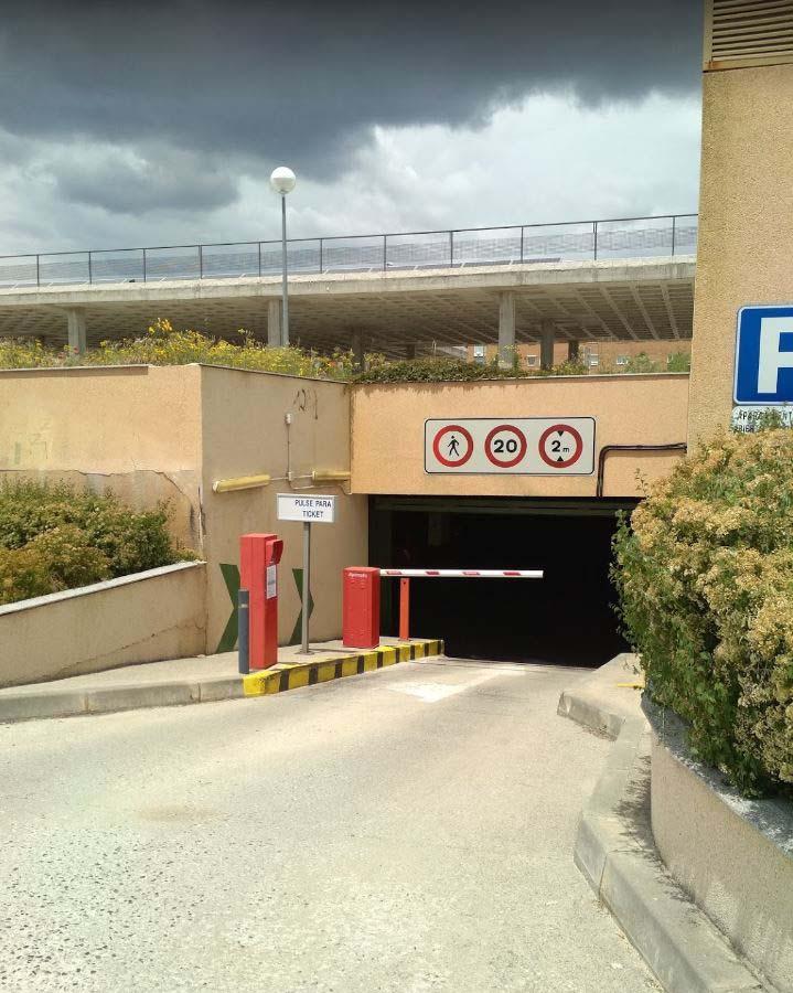 Entrada Parking Subterráneo La Estación en Colmenar Viejo