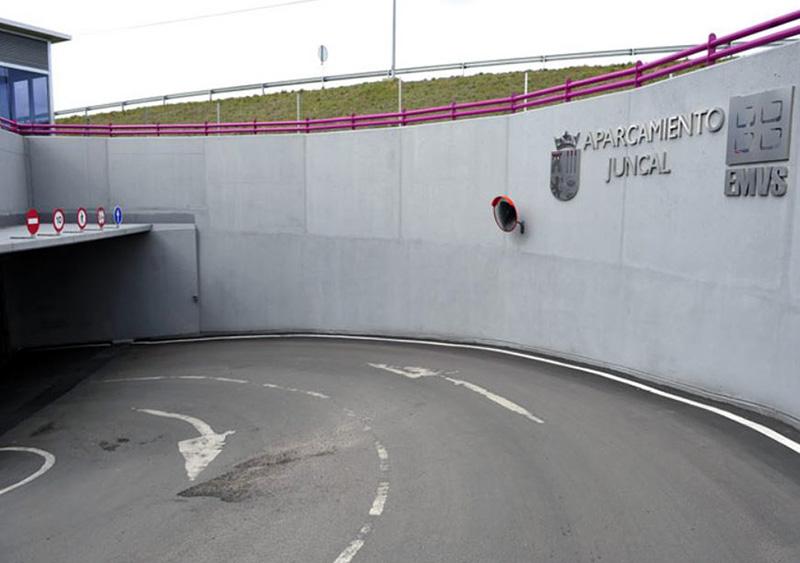 Entrada y salida Parking Subterráneo El Juncal Torrejón De Ardoz
